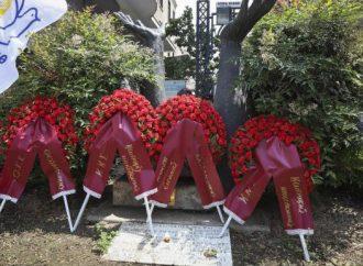 Κατάθεση στεφανιών στο μνημείο του Γρ. Λαμπράκη